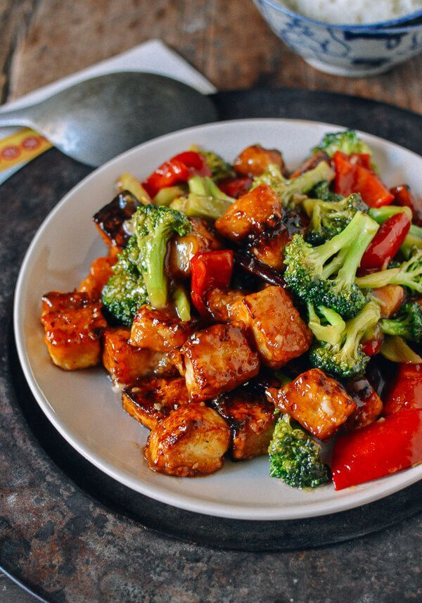 This past Friday, the chef many believe was responsible for creating the titanic Chinese-American favorite, General Tso's Chicken, passed away. Contrary to the ever evolving lore around General Tso's Chicken being an old and authentic Hunan dish made for some storied ancient general, Peng Chang-kuei supposedly invented the dish in Taiwan in the 1950s. (Read …