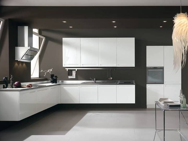 With the line Tropea environment is enriched with freshness, functionality and comfort thanks to modern and essential lines, the wide range of accessories and appliances, smart solutions for every housing need.  http://spar.it/ita/Catalogo/Cucine/Cucine-moderne/TROPEA/Proposta-TRO-34-cd-496.aspx