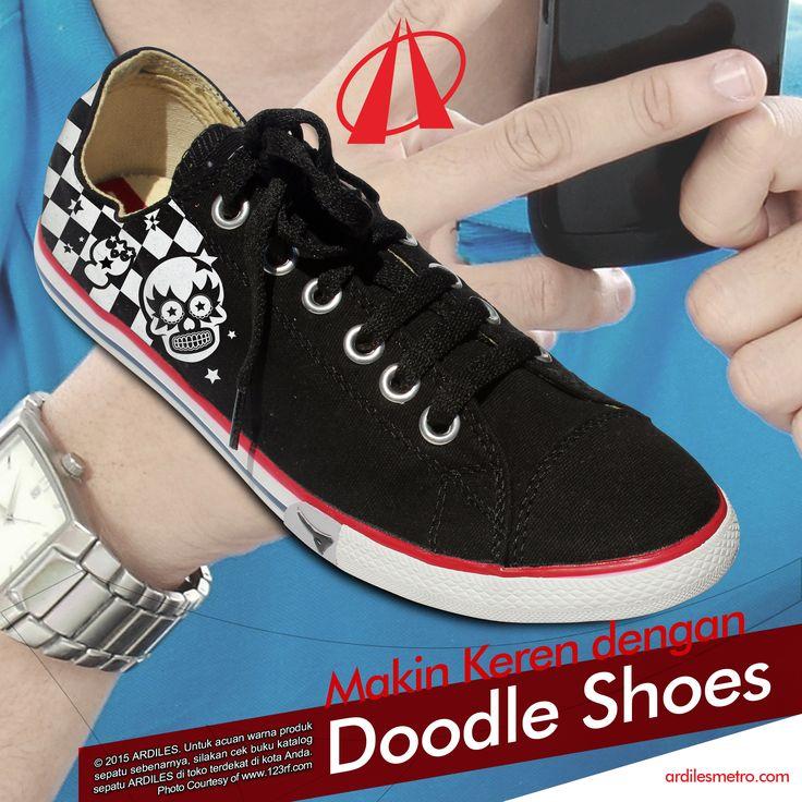 Ardiles Sneakers Lovers, cowok gak kalah lho dengan cewek. Doodle shoes untuk cowok okey juga. Tapi kamu juga harus tahu makna yang terlukis dari setiap lukisan itu. Kegalauan hatimu dapat terlihat dari hasil doodle shoes yang kamu buat. #ardilessneakers #ardiles #kicks #shoesoftheday #hypebeast #sneakers #todaykick #IGkick #kicksoftheday #sneakerfiles #soeltoday #soleonfire #sepatu #fashion #instarunners #runningshoes #sneakershead #sepatumurah #sneakernews #shoes