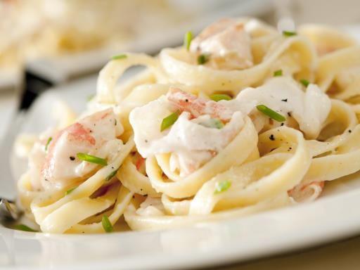 Crevettes à la crème et aux fettucine : Recette de Crevettes à la crème et aux…