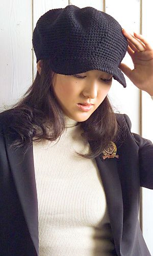 Cool Crochet Hat: Both English and Japanese versions are fully charted using standard knitting and/or crochet symbols. Japanese version available here.