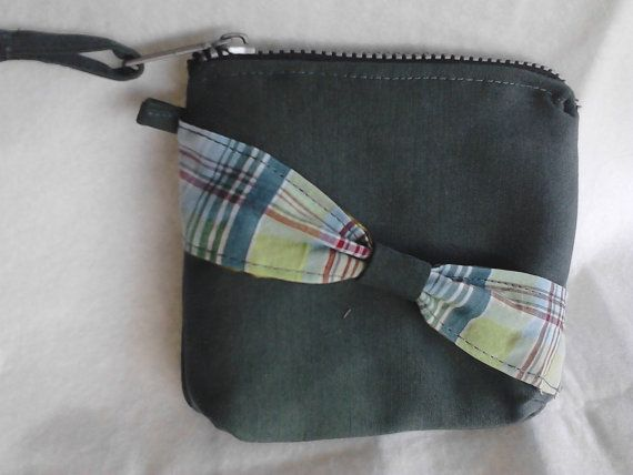 Soft olive green coin purse paddedlined by creatingbyVilly on Etsy