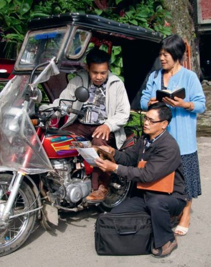 Brothers in the Philippines try to reach all people, such as this man on his motorbike with a sidecar in northern Luzon.    Fast Facts - Philippines ♦ 177,635 - Publishers  ♦ 29,699 - Regular Pioneers ♦ 8,586 - Baptized During 2011 ♦ 21 - Languages In Which Translation is Done  ♥•.¸¸.•♥   JW.org