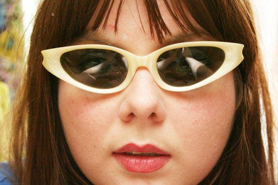 60s Cat Eye Sunglasses 1960s Womens Sunglasses Pearl Cream Silver stud Cool Ray Sunglasses by Polaroid Cari Michelle