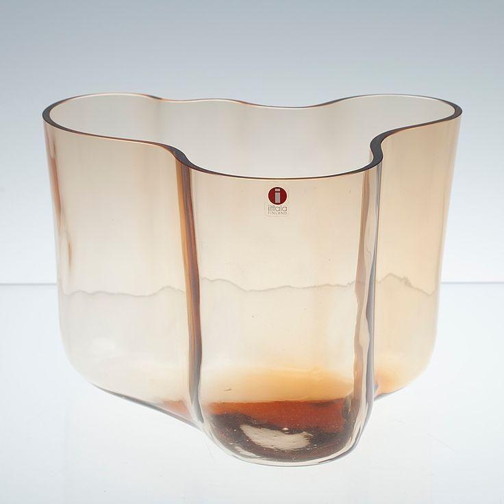"""VAS, glas, Ittala """"Savoy"""", jubileumsår 1996, ljusbrun, signerad 1956-1996."""