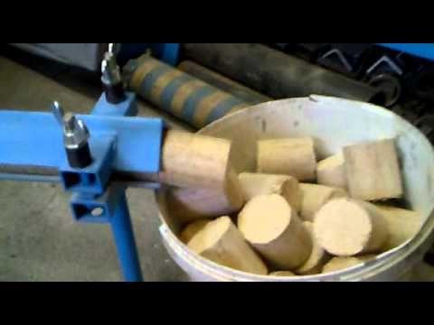 Briketovací lis 70kg/h.mp4
