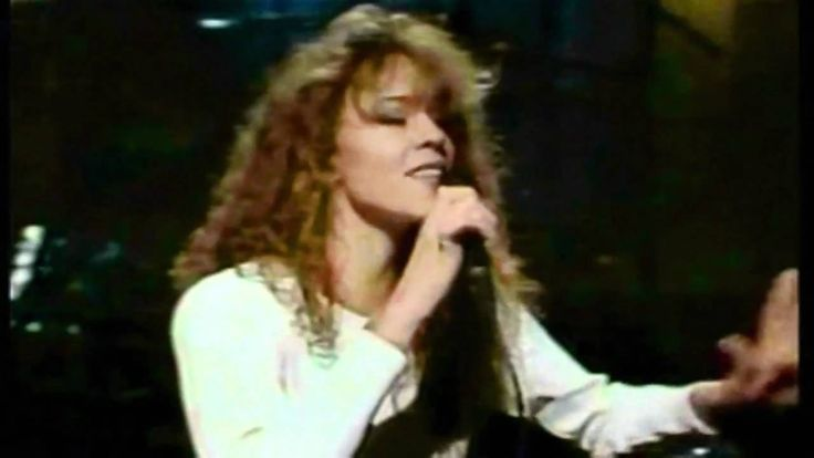 this could give a mensa linguist tourettes   Mariah Carey - Vanishing (Live at SNL Rehearsal 1990)