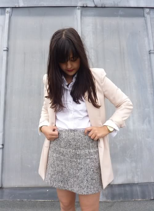Love this combo - powder pink blazer, classic white shirt and spotted gray skirt.