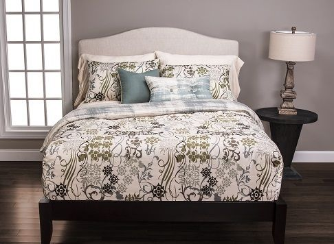 Siscovers, best-made bedding brand in the industry. Luxury bedding, decorative pillows, daybed covers, futon covers and drapery and custom made-to-order.