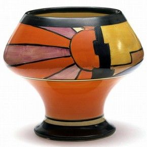 Sunray vase, Clarice Cliff, about 1929. Museum no. C.74-1976. l Victoria and Albert Museum