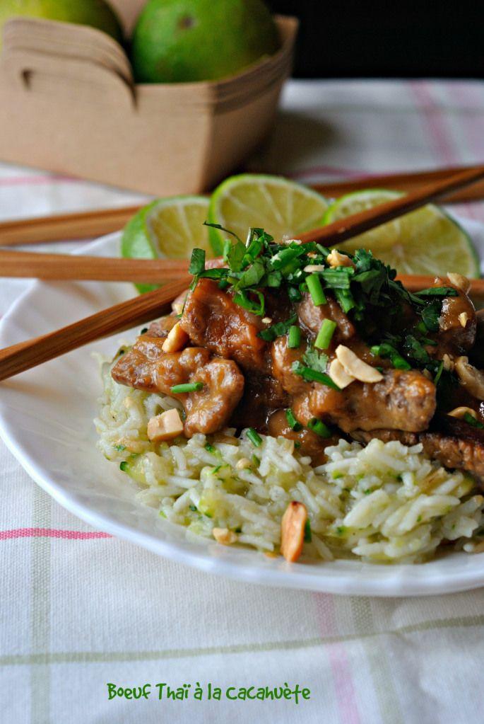 Boeuf tai à la cacahuete Je t'ai déjà donné deux recettes de boeuf,une thaï ici (clic) et mon fameux bulgogi coréen de y'a pas longtemps (clic).Toujours en recherche de recettes rapides surtout en ce moment où c'est la bé...