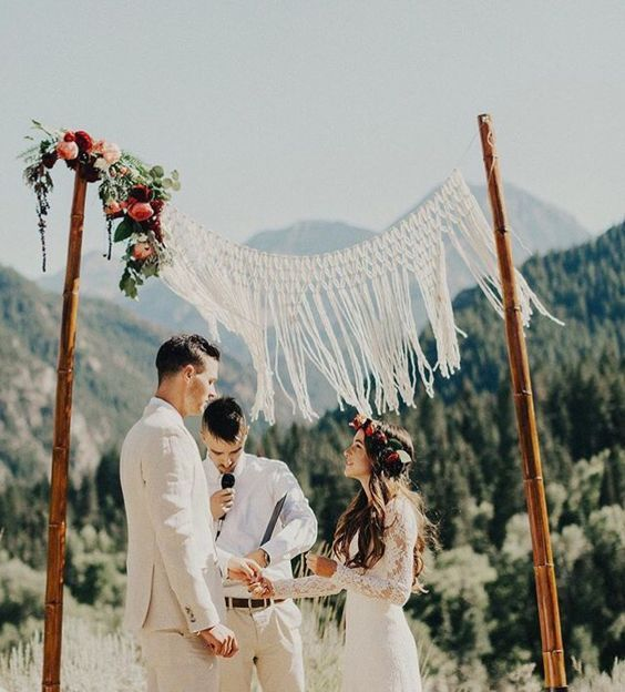 7 Gorgeous Wedding Altar Decorations That Aren T Any: 25+ Best Ideas About Bamboo Wedding Arch On Pinterest