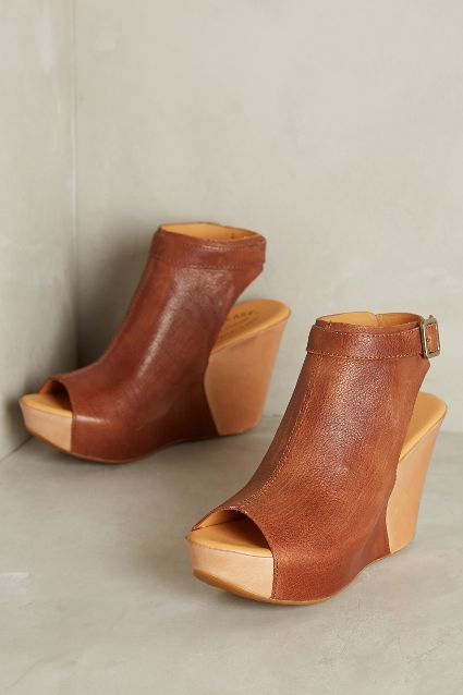 Rad spring/WA summer wedges // I can't decide if I like these best in brown or black...