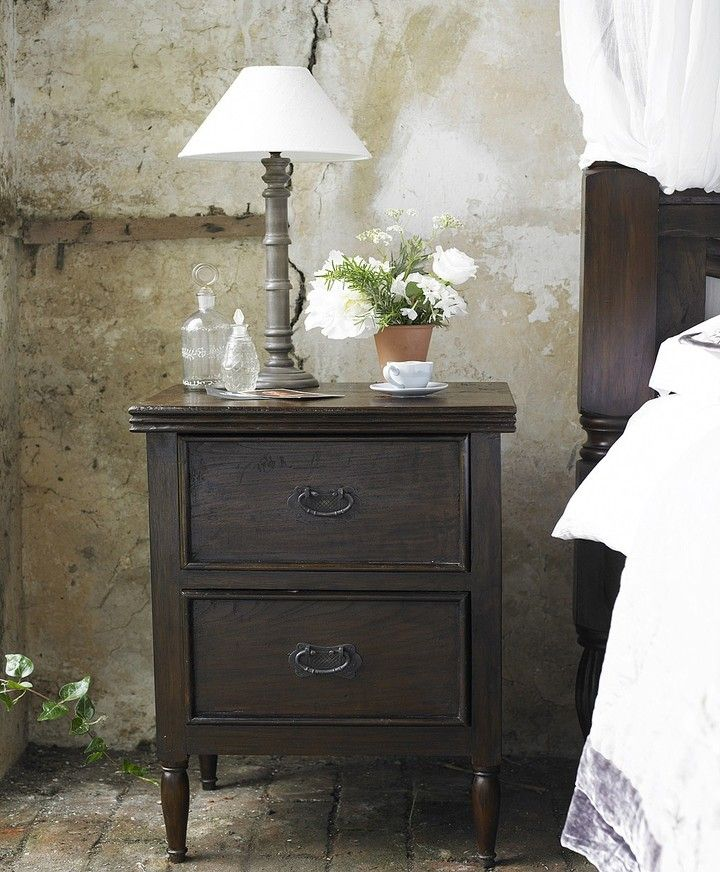 Love this gorgeous bedside locker!