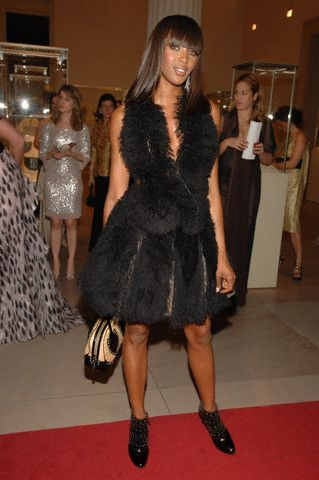 Наоми Кэмпбелл в платье Azzedine Alaia