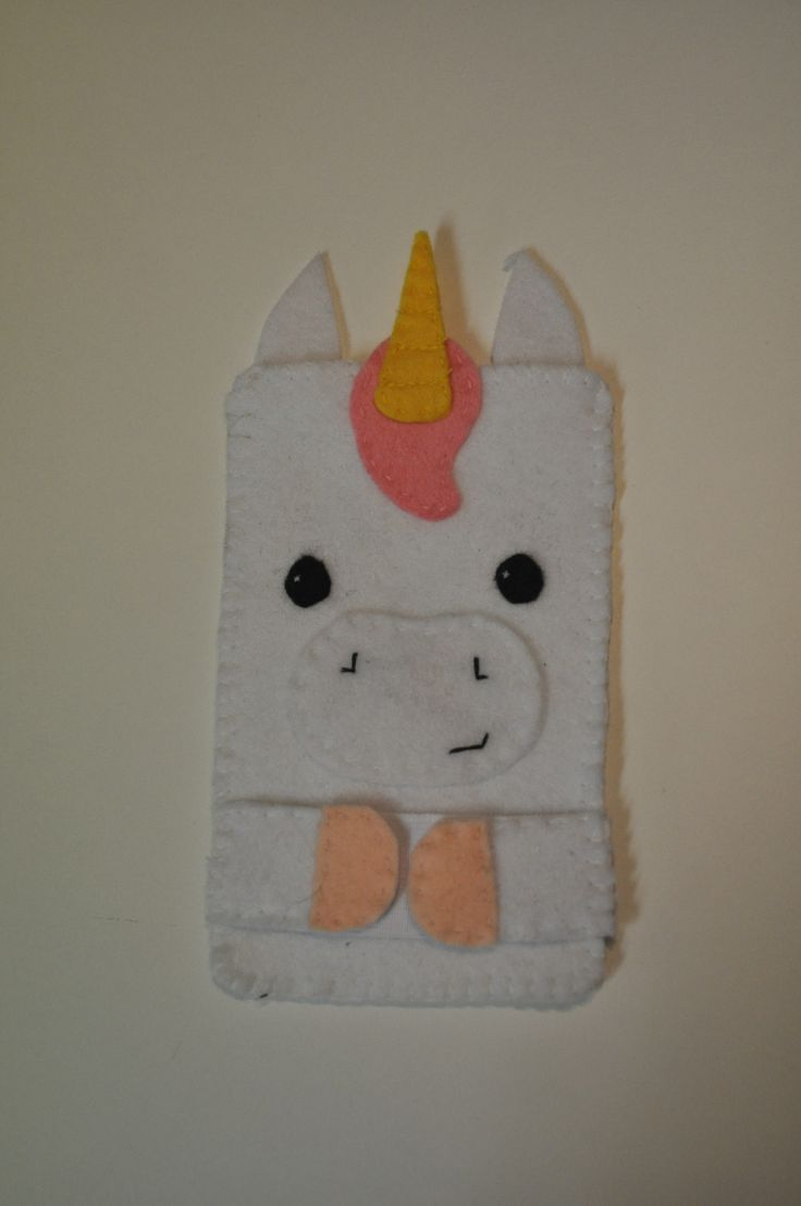 handmade by 't stoffe Mieke gsm zakje 8 x 13 cm : € 5 te bestellen via tstoffemieke@gmail.com
