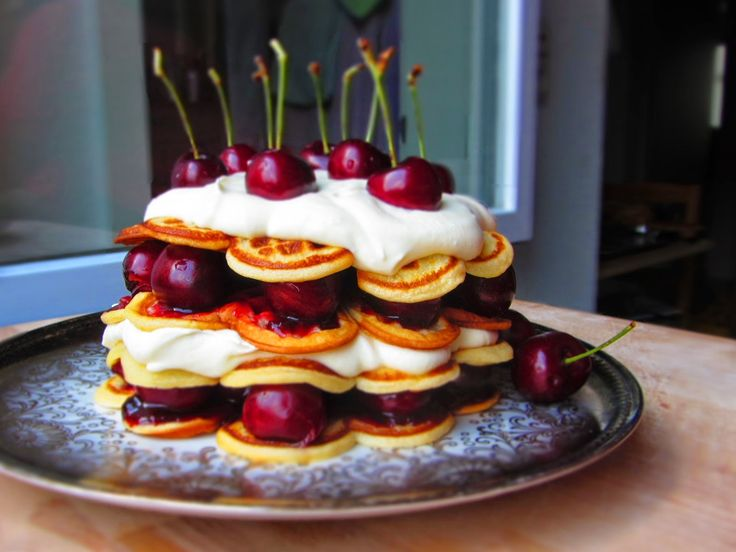 Ina Is(s)t: Kirsch-Waffel-Torte mit weißer Mousse / Cherry waffle cake with white chocolate mouse