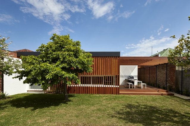 Miller House by Architecture Architecture. DECK MERGES IN WITH THE HOUSE FACADE