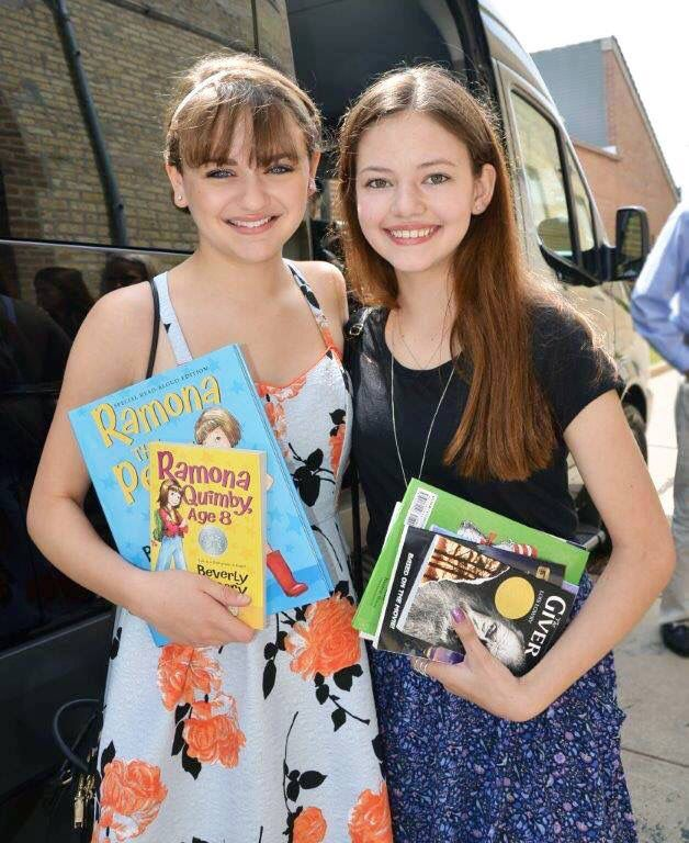 MacKenzie Foy and Joey King