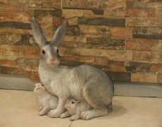 Yavrulu Tavşan Heykeli