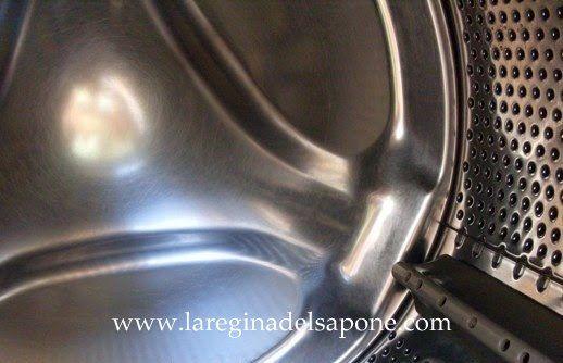 La Regina del Sapone: pulizia e cura della lavatrice