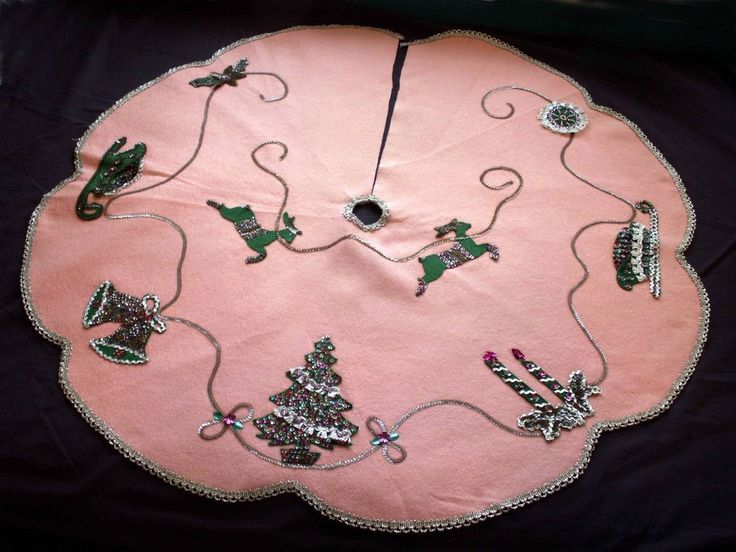 187 best Christmas Tree Skirt or Tablecloth images on Pinterest ...