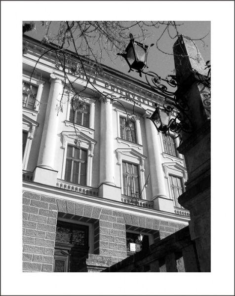 budova.jpg (476×600)
