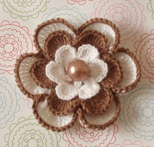 Crochet Flower In Ivory And Lt Brown L124 by Lixiancrochet on Etsy,
