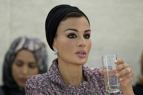 Sheikha Mozah looking gorgeous in Chanel couture at the UN session