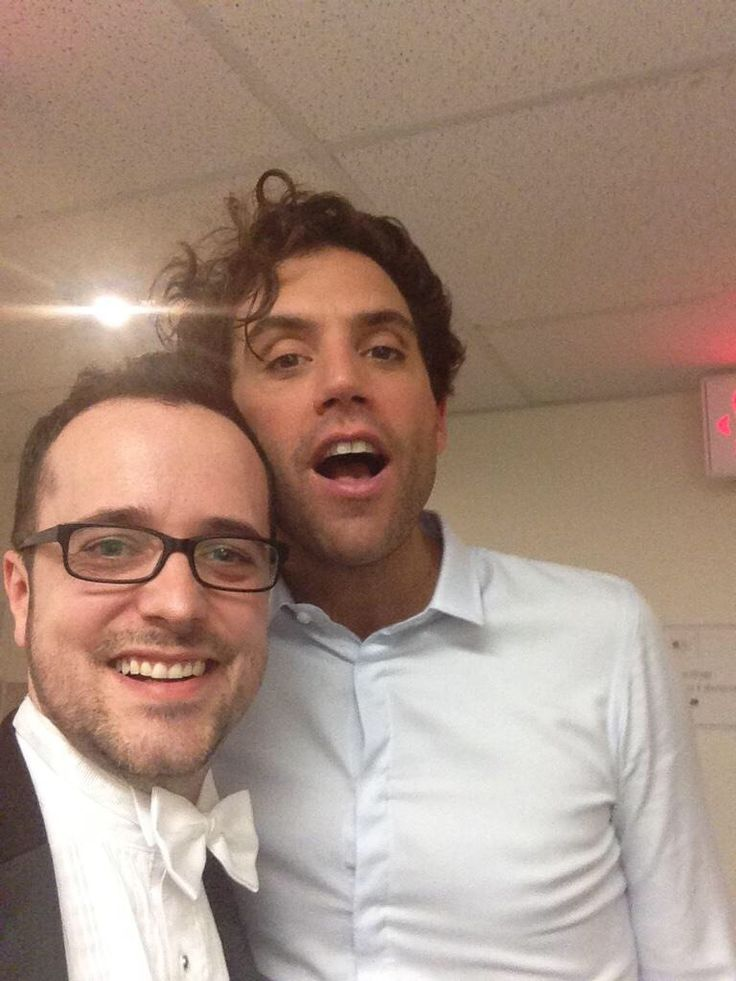 Mika and one of the musicians after the second concert with the OSM (11 February 2015)