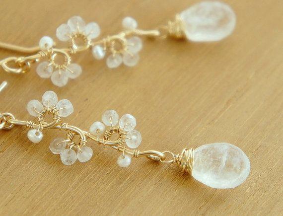 Pendientes piedra de luna, blanco pendientes de piedras preciosas, joyería de la boda, llena de oro