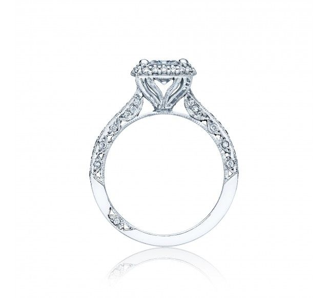 Heirloom+elegance+ignites+and+inspires+on+this+blooming+princess+Engagement+ring,+with+strings+of+pave+diamonds+bedecking+the+ceiling,+and+diamond+crescent+details+creating+a+stunning,+romantic+profile.