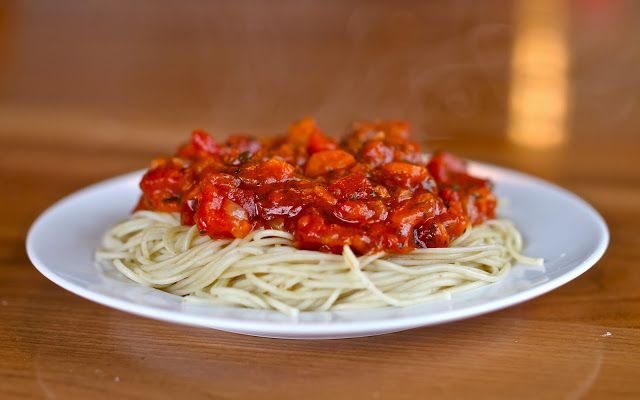 Yammie's Noshery: Spaghetti Sauce 5 ways