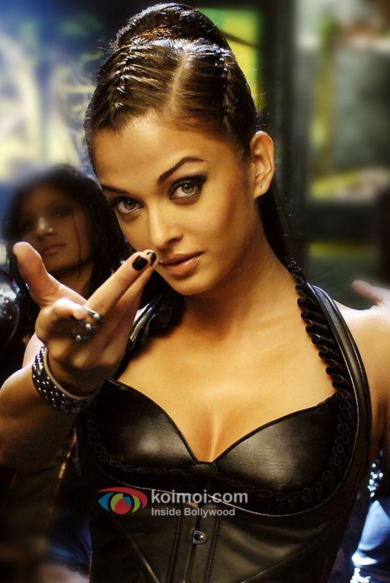 Aishwarya Rai in Dhoom 2 Movie