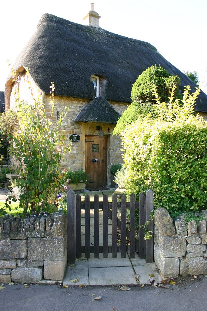 English Cottage Romance ~ Chipping Campden, Gloucestershire, UK.