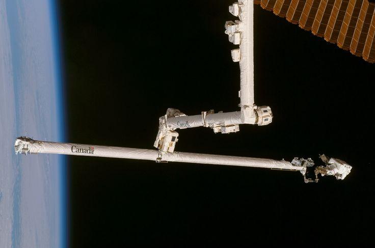 STS-120_OBSS_repair.jpg (3032×2008)