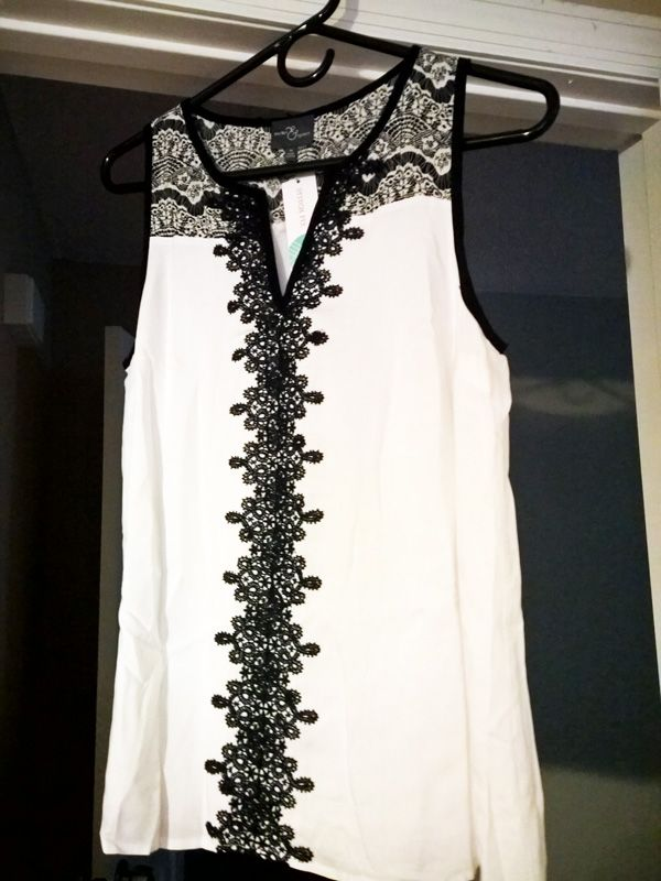 Market & Spruce Lana Lace Detail V-Neck Blouse $58 - Saw this from another Stitch Fix, love this style!