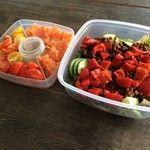 Lunch! Heerlijke linzensalade met geroosterde paprika en zalm to-go. Recept nu op glowmag.nl #health #healthy #food #eatclean #fit
