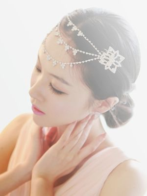 Korea feminine clothing Store [SOIR] #partylook#Fashion #dailylook #dailyfashion #koreafashion #accessory #hairaccessoriy #hairband #tiara