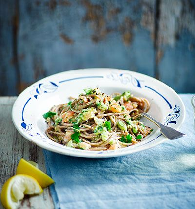 Spelt pasta lends this dish a lovely nutty flavour and is higher in fibre than regular pasta. Complete with smoked salmon and avocado tossed with lemon and parsley
