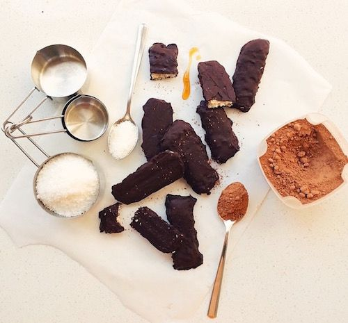 Raw Dark Chocolate Bounty Bars < Sugar Free Sweets & Treats < Recipes | Coconut Magic