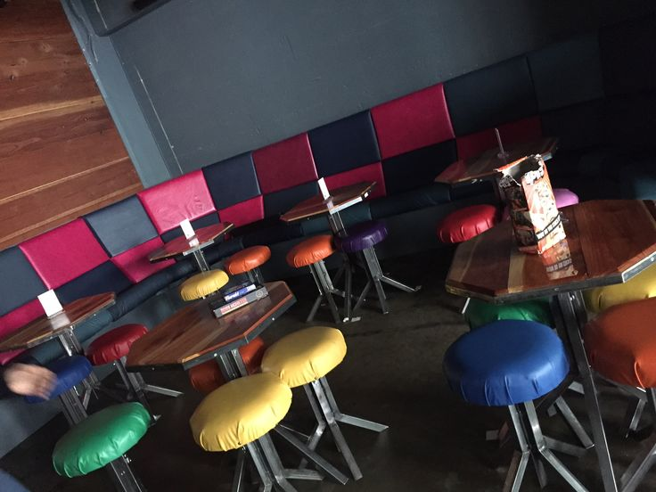 High/low Tables And Checkered Bench Area. Quantity: 7