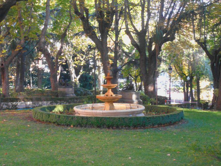 Fuente en los jardines del CGE ( Cuartel General del Ejército )