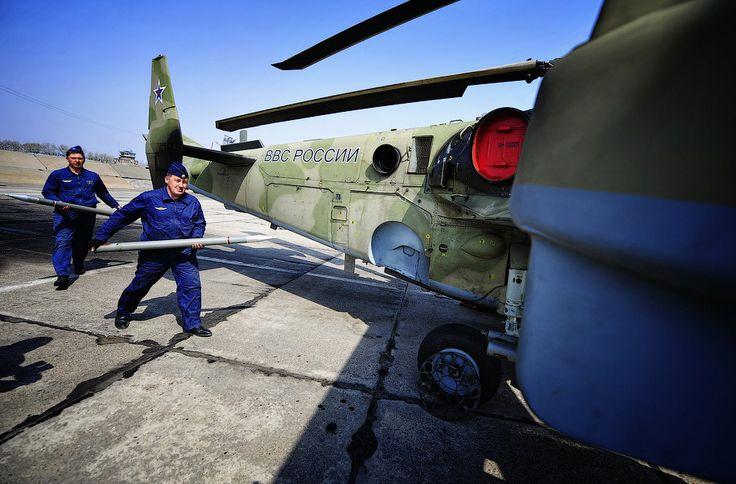 """Учебно-тренировочные полеты боевых вертолетов на авиабазе """"Черниговка"""" - Smit_Smitty LJ"""