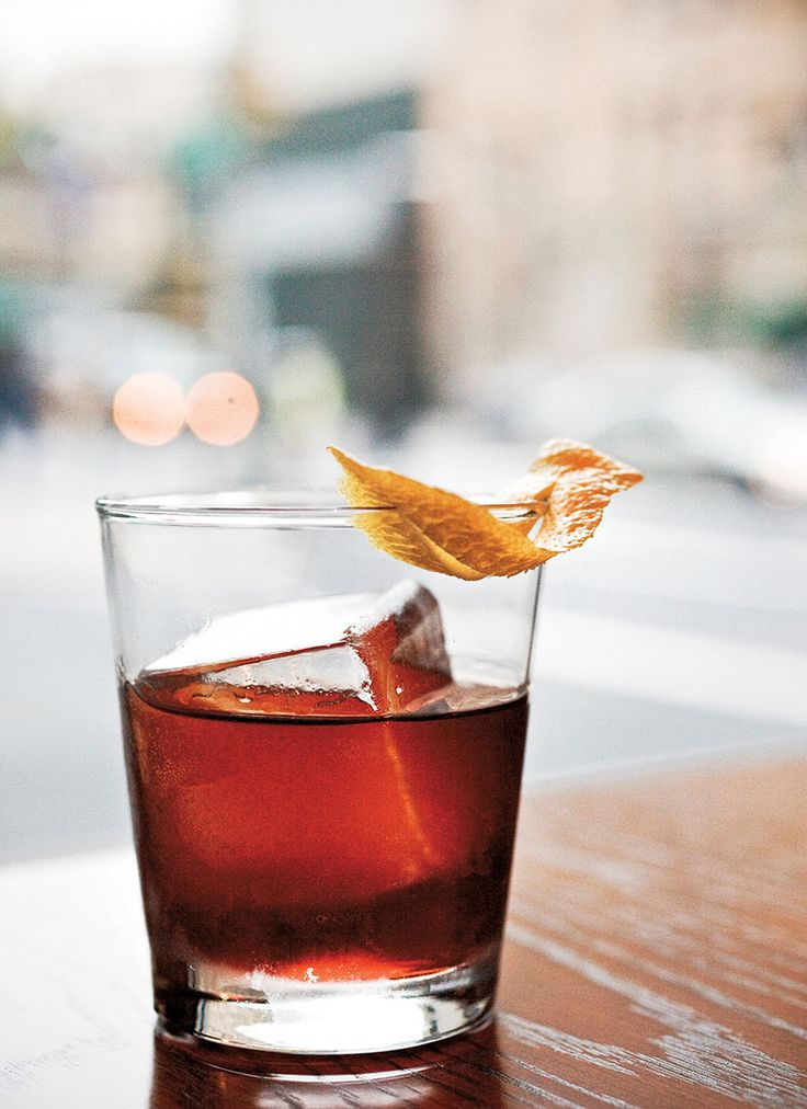 Vieux Carré cocktail recipe: A strong and stirred New Orleans classic.   Photo: Ed Anderson