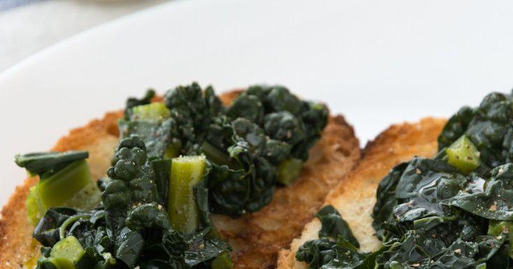 イタリア野菜カーボロネロでイタリアの伝統料理ブルスケッタを作りました。すごく簡単にできてイタリアンな雰囲気がいっぱい!