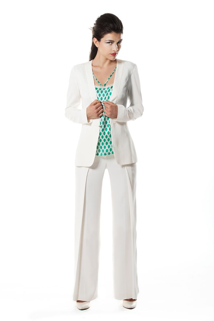 Tailleur in white cadì with pois top's silk.