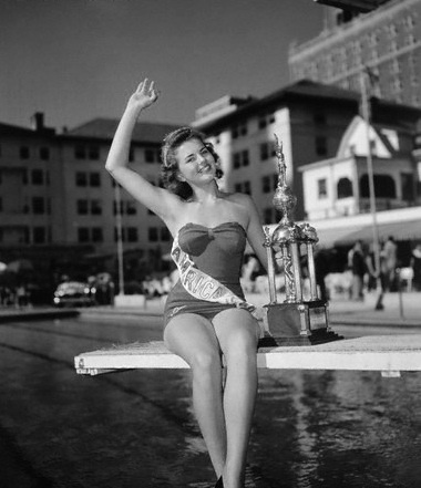 1948 bebe beatrice shopp minnesota hopkins bebe serves with the distinction of being the first miss america crowned in an evening gown after the pageant