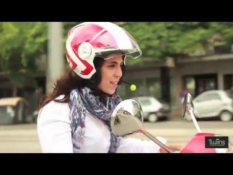 Ter um Twiins Kit Mãos Livres é tão simples como atender uma chamada ou ligar o Bluetooth! O motorista urbano moderno gosta de ter gadgets que resolvam as suas necessidades de comunicação diárias! Certo? Atenda as suas chamadas em segurança! Use o D1VA.  Mais informações? Ligue-nos em segurança!!  #lusomotos #twiins #d1va #kitmãoslivres #mãoslivres #comunicação #telemóvel #moto #capacete #bluetooth