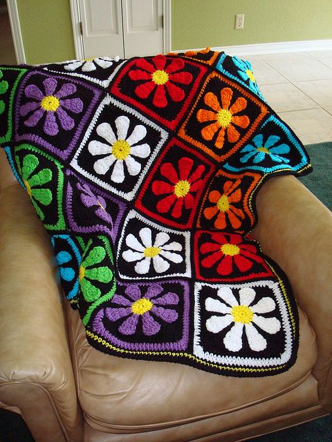 Daisy Afghan: free square pattern